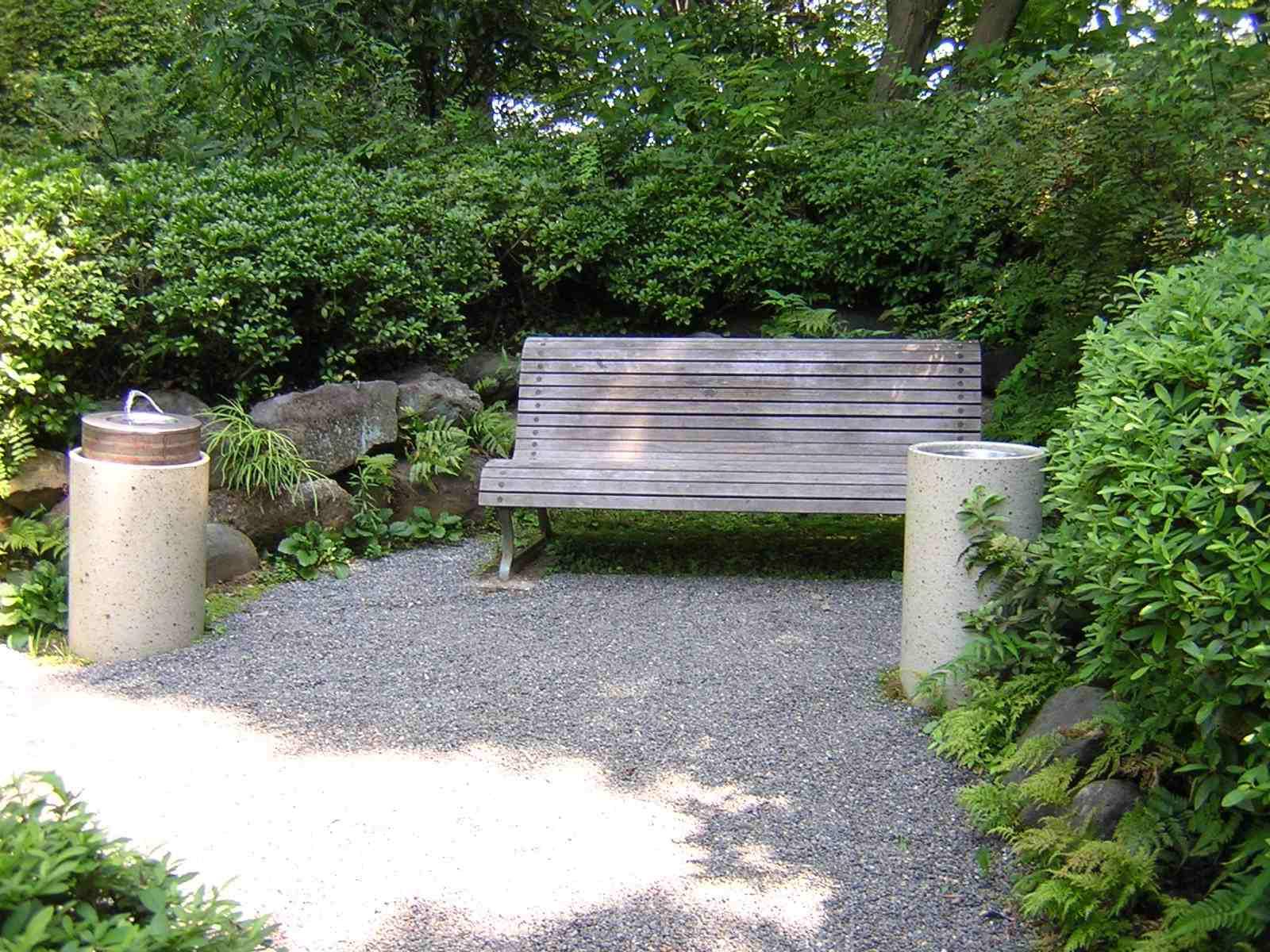 池田山公園のベンチ
