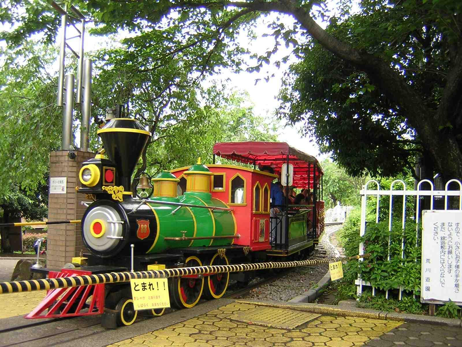 荒川遊園の機関車
